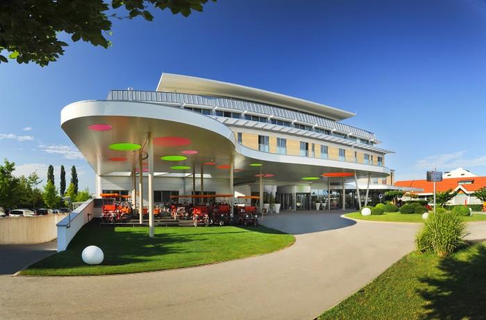 """In Kooperation mit dem Burgenland Tourismus & """"best for family""""verlosen wir einen Familienurlaub im Hotel Sonnenpark sowie Eintrittskarten in die Sonnentherme Lutzmansburg!"""