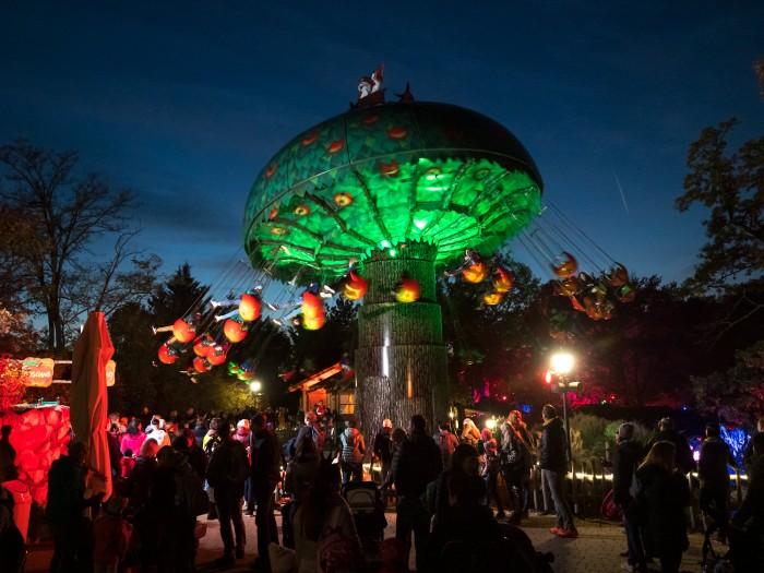 Gewinne mit mamilade 3x4 Tickets für das Halloween-Event im Familypark!